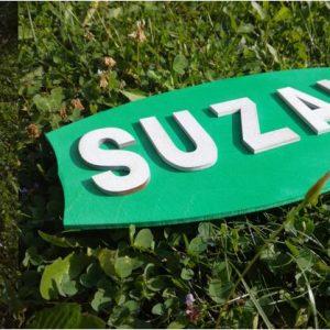3D napis ime na zelenm listu